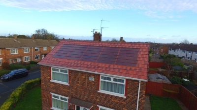 New integrated PV tile fits seamlessly into rooftop installations