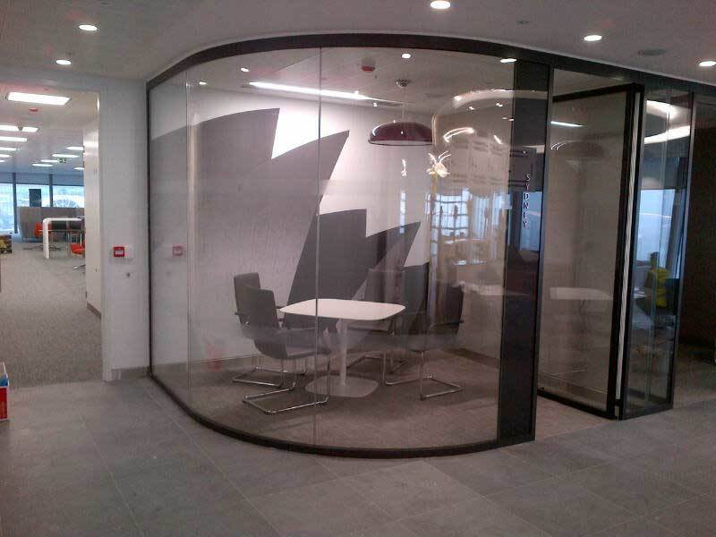 Curved Glass - Office