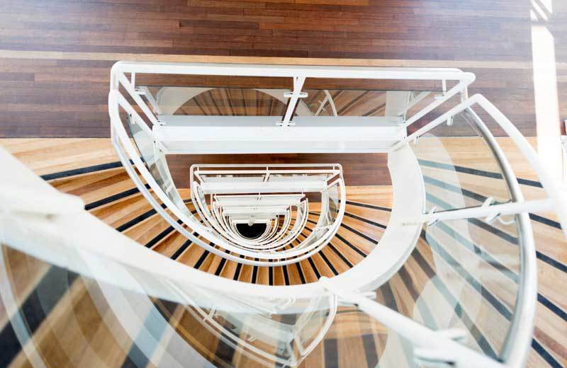 Curved Glass - Stairs