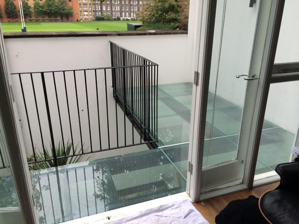 Structural Glass - Balcony